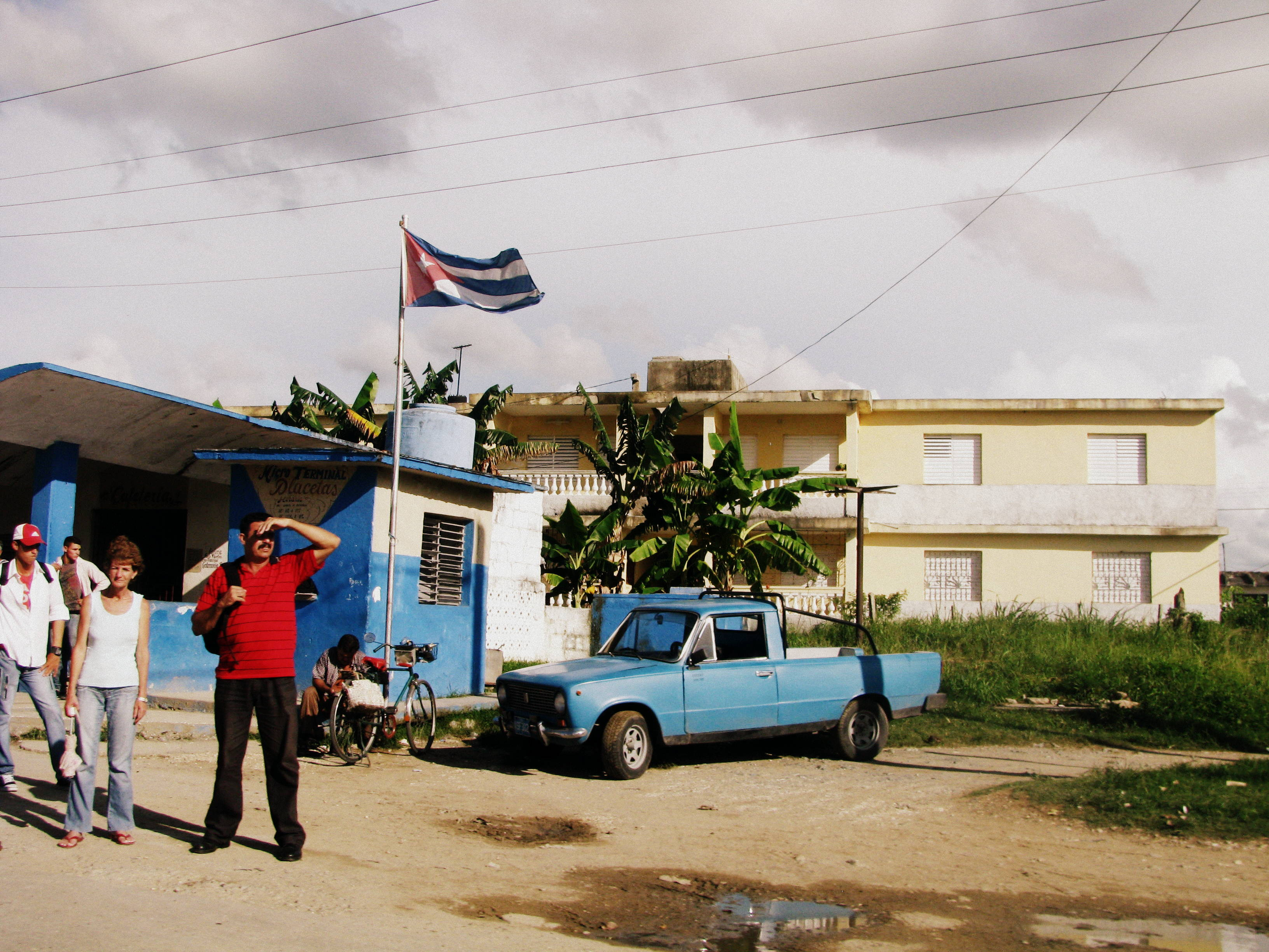 What the future holds for us? Cubans hitch-hiking at a pick-up point (Punta de Recogida).