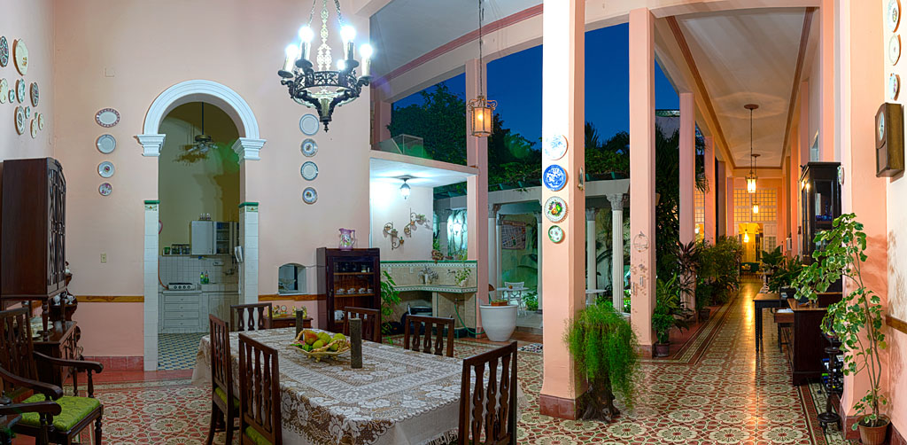 Casa particular Auténtica Pérgola in Santa Clara. You can book it here: