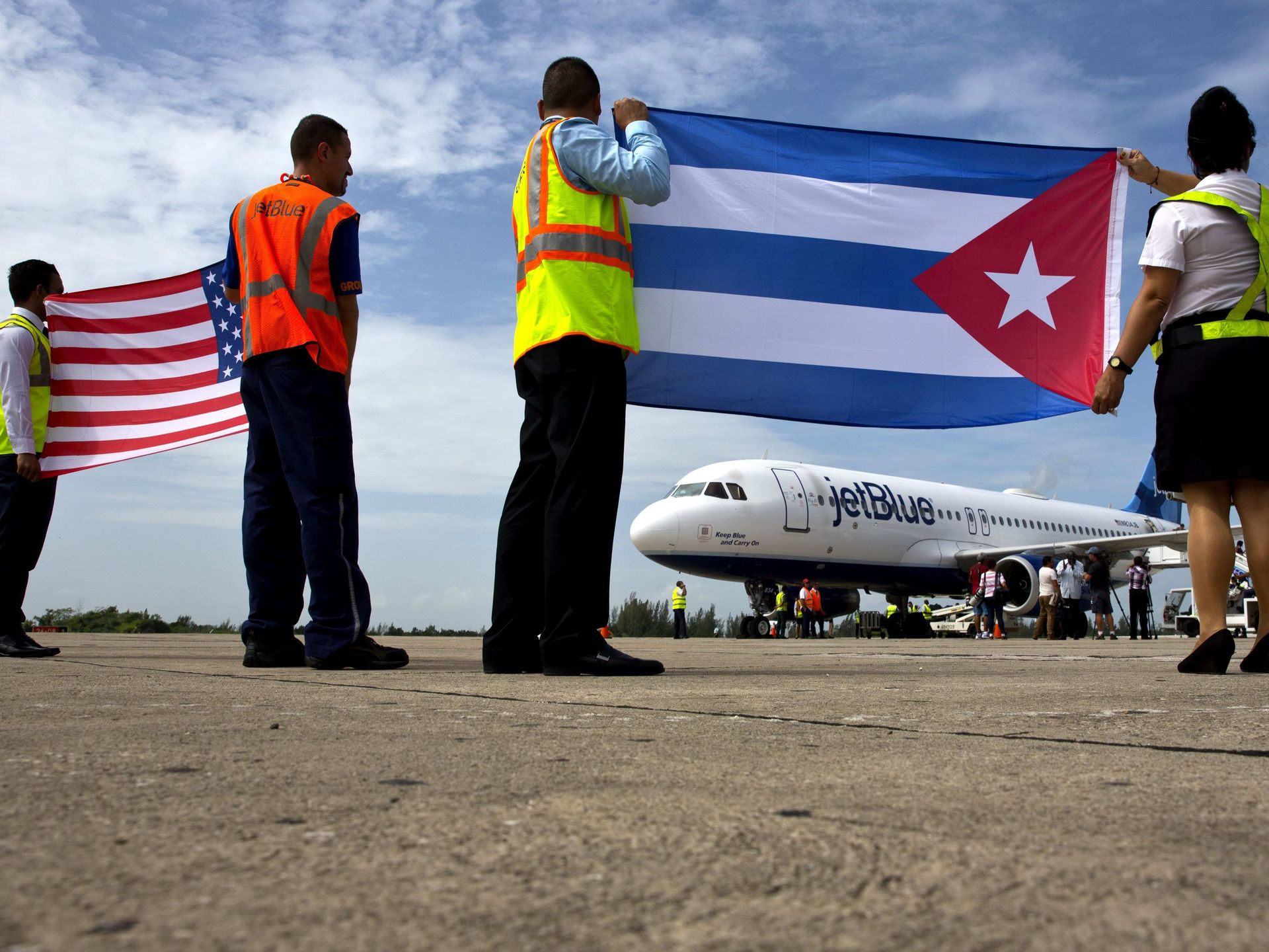 First U.S. commercial flight to Cuba since 1961. From Fort Lauderdale to Santa Clara. Photo by USA Today.