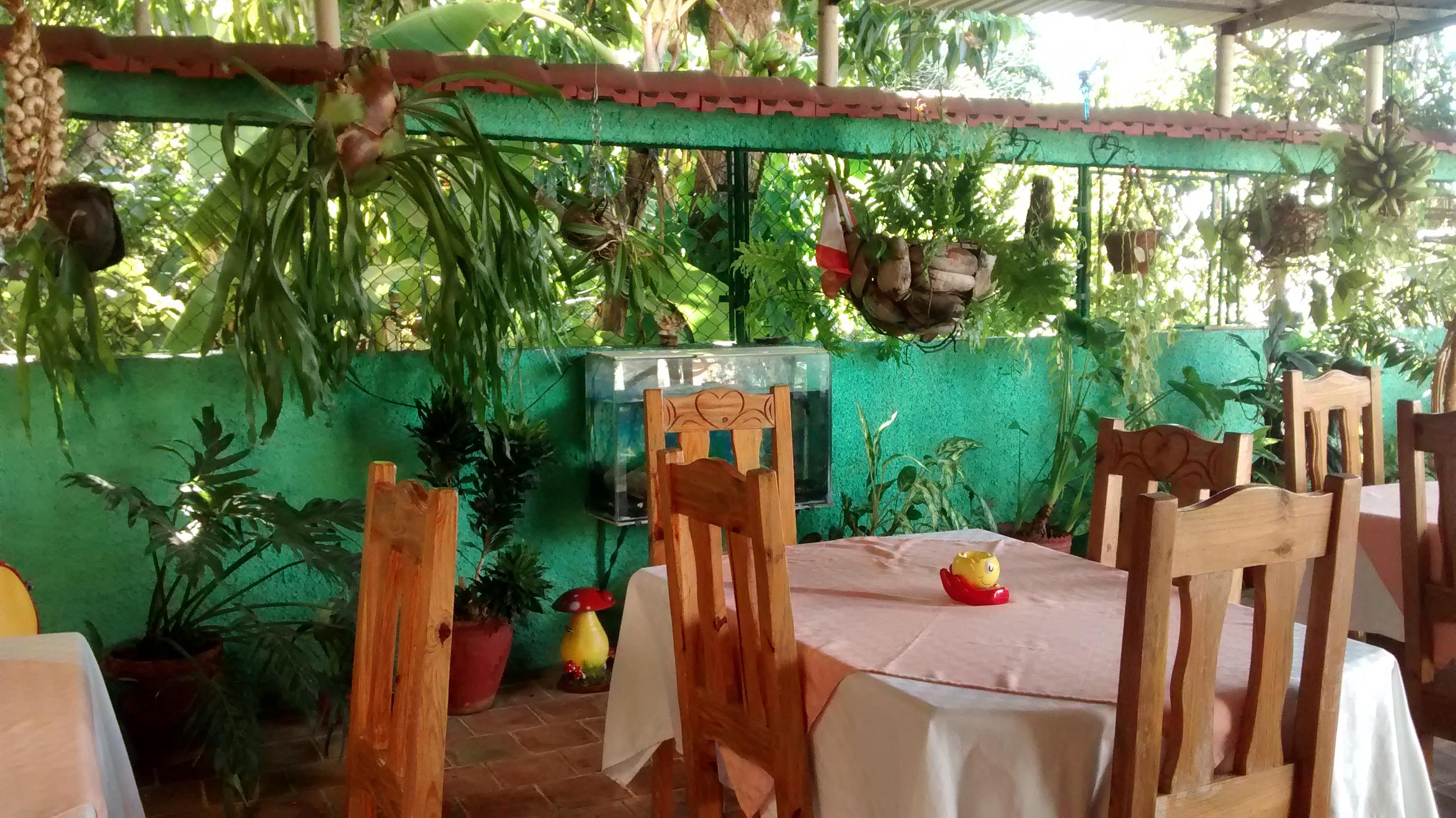 Restaurante en la Casa Mario y Luisa en Cienfuegos.